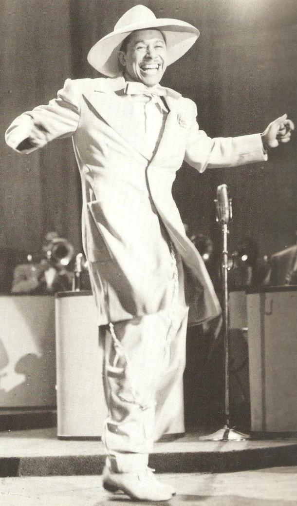 El histriónico Cab Calloway, impecablemente vestido para una de sus performances.
